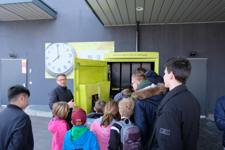 """Schüler der Grund- und Hauptschule Thalmässing zu Besuch bei unserem Projekt """"Jeder Tropfen zählt"""""""